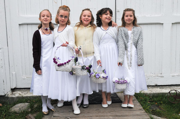 I love this photograph of the flower girls!