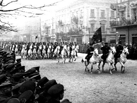 The Soviet forces parade in Lviv, an Eastern Polish city; The Red Army occupied much of Eastern Poland until the summer of 1941, when the Germans took over. (Image courtesy of Wikipedia)