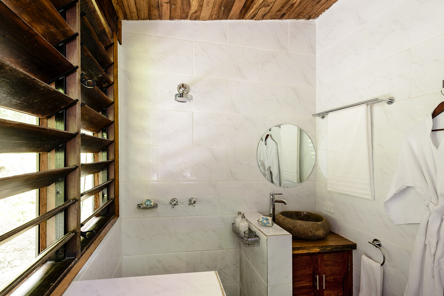 Remote Resort Fiji Islands - Family Villa bathrooms