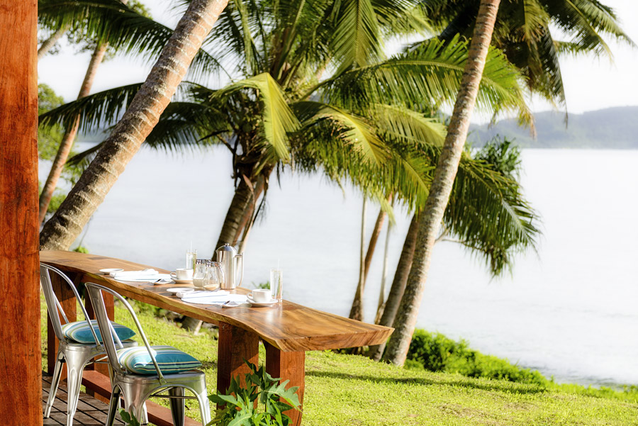 Remote Resort Fiji Islands - Deck dining