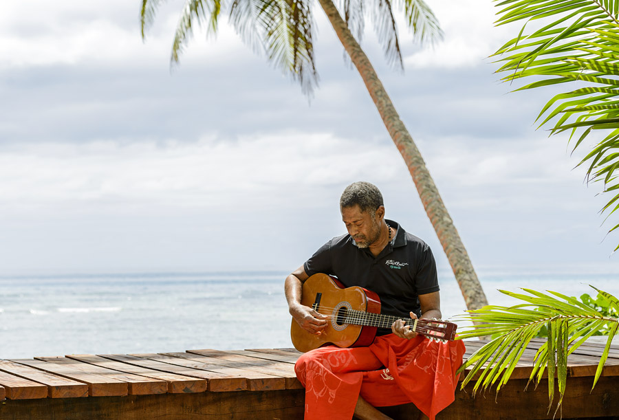 Remote Resort Fiji Islands - Music time