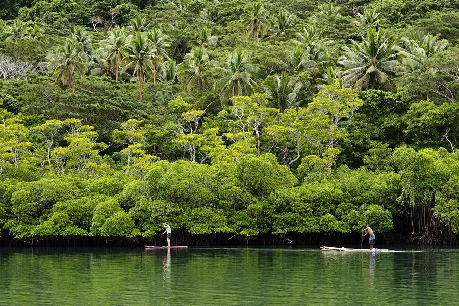 Remote Resort Fiji Islands - Rafting in the back bay