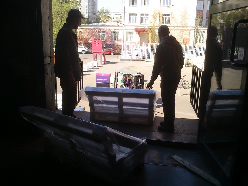 К слову, наше производство находилось на 2 этаже Loft, на дизайн-заводе Флакон.