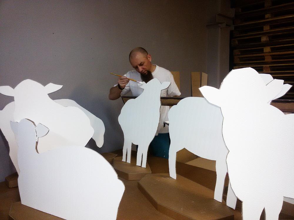 В процессе создания стада овечек.