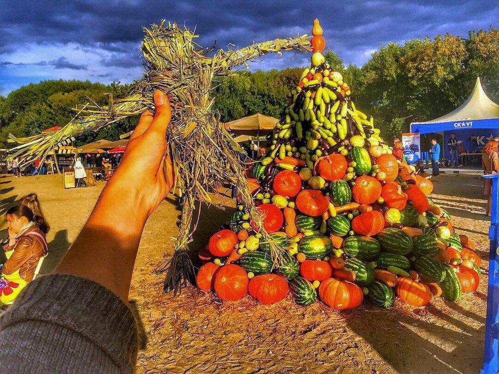 Урожайная Гора-самый фотографируемый объект на фестивале.