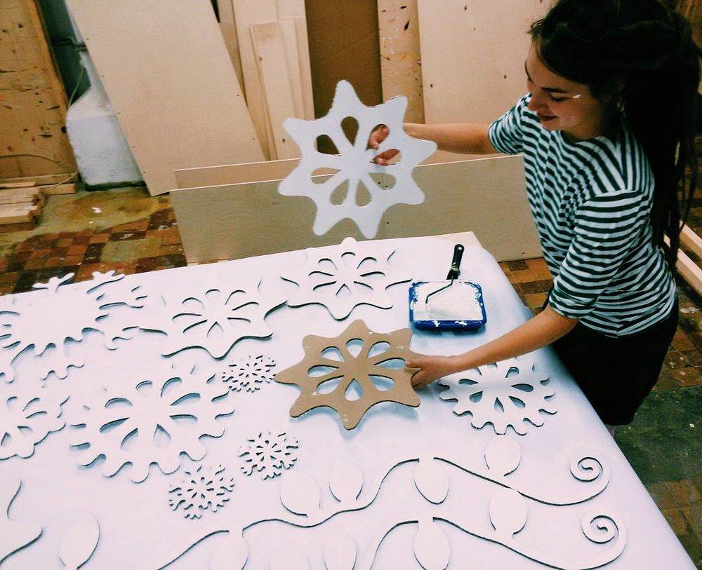 Картонные снежинки