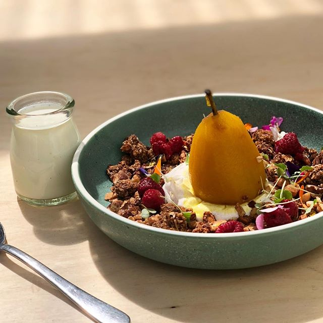 Who doesn't enjoy a healthy start to your day!!! Poached pear w our house granola!!! #healthyfood #breakfastkings #lifestyle #delicioso