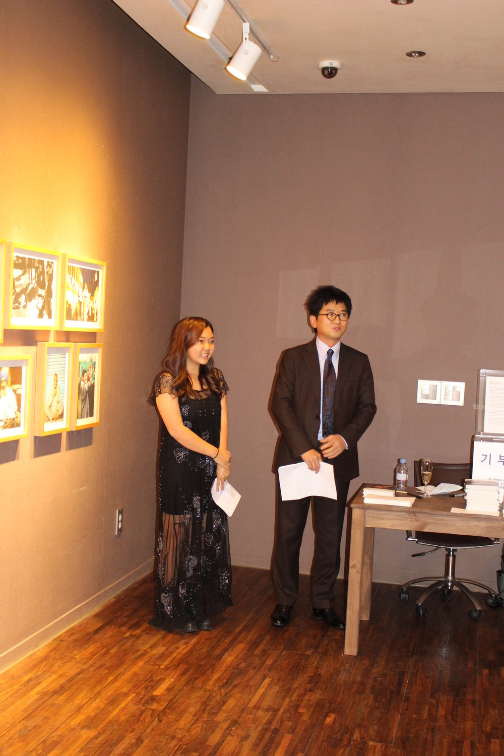 "Delivering my speech (interpreter is Tae Sun Hong) at ""The Way They Are,"" Gallery Mark, Nov. 2014"