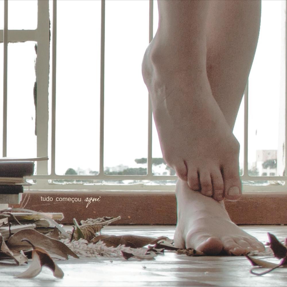 """Ana Larousse """"Tudo Começou Aqui"""" ( independente, 2013)"""