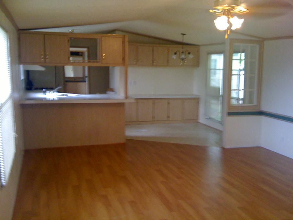 532 Living Room.jpg