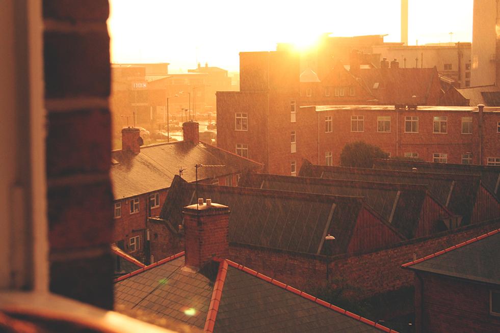 between-lenses-sunrise-rain-nottingham-tori's-tales