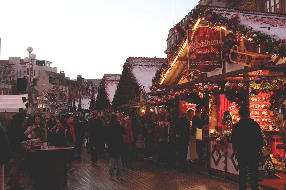 Busy-stalls-Nottingham-Winter-Wonderland-Tori's-Tales