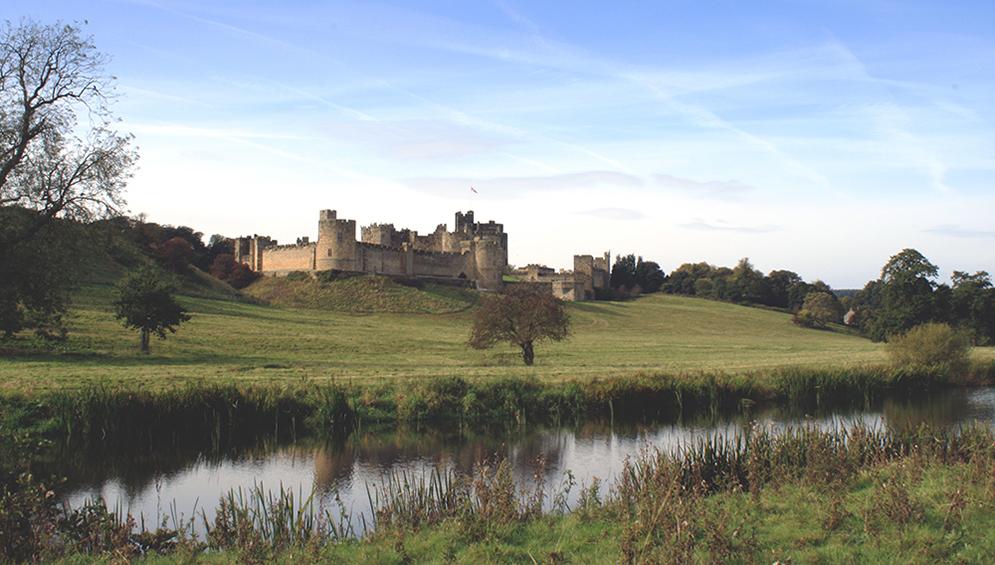 Alnwick-Castle-Northumberland-Tori's-Tales