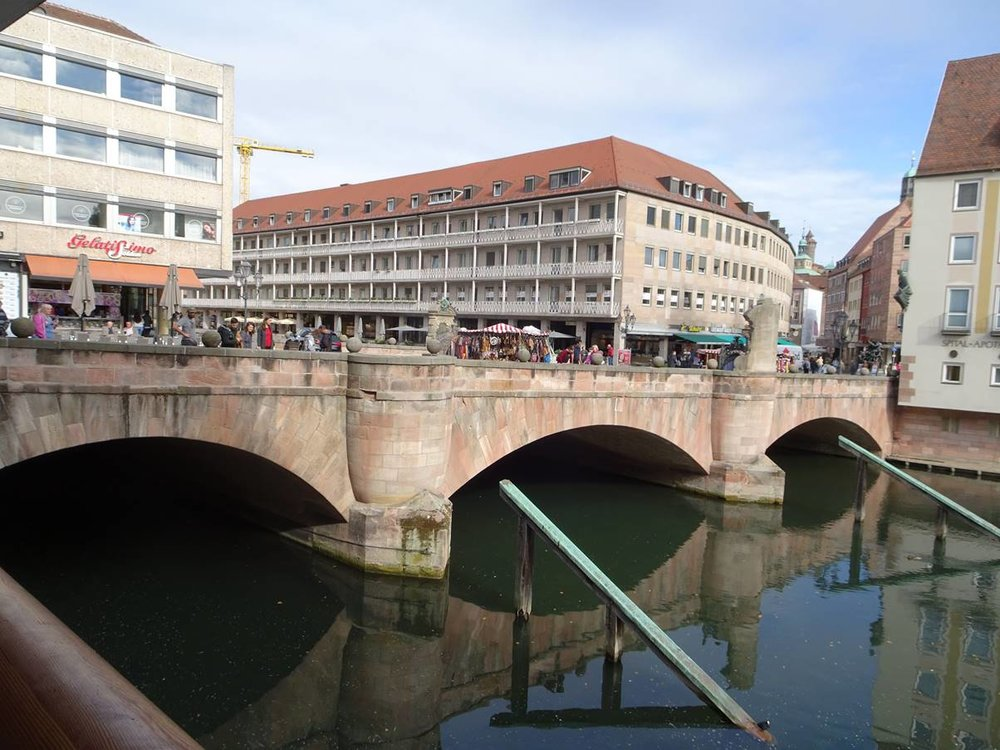Note the icebreakers on the MuseumsBruecke.