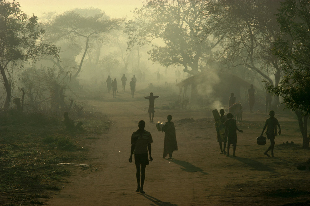 "Mozambican refugees, Malawi, 1988<span class=""photo-essays-link""><span class=""separator"">・</span><a href=""/photo-essays"">Photo-essays</a></span>"