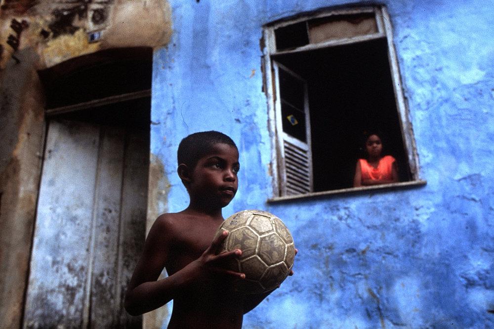 "Brazil, 1998<span class=""photo-essays-link""><span class=""separator"">・</span><a href=""/photo-essays"">Photo-essays</a></span>"