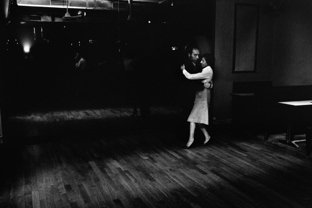 "Le Tango, rue au Maire, 1975<span class=""photo-essays-link""><span class=""separator"">・</span><a href=""/photo-essays"">Photo-essays</a></span>"