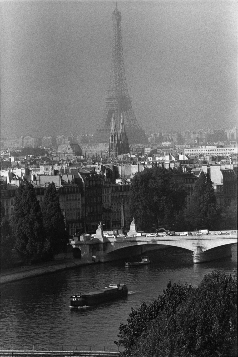 "Paris, 1984<span class=""photo-essays-link""><span class=""separator"">・</span><a href=""/photo-essays"">Photo-essays</a></span>"