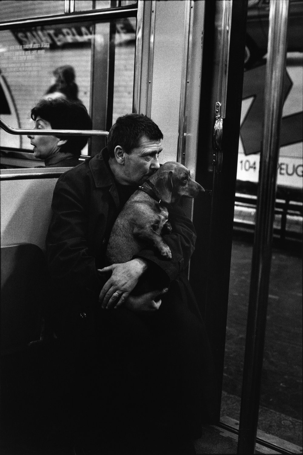 "Métro, 1980<span class=""photo-essays-link""><span class=""separator"">・</span><a href=""/photo-essays"">Photo-essays</a></span>"