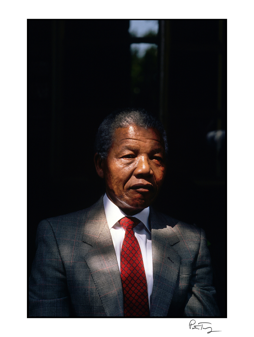 "ID #75・Nelson Mandela, 1990<span class=""print-link""><span class=""separator"">・</span><a onclick='document.getElementsByClassName(""sqs-lightbox-close"")[0].click();'>Thumbnails</a></span>"