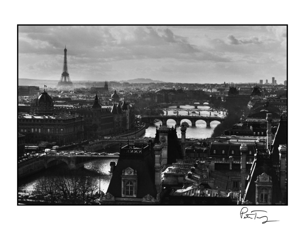 "ID #1・Paris, 1991<span class=""print-link""><span class=""separator"">・</span><a onclick='document.getElementsByClassName(""sqs-lightbox-close"")[0].click();'>Thumbnails</a></span>"