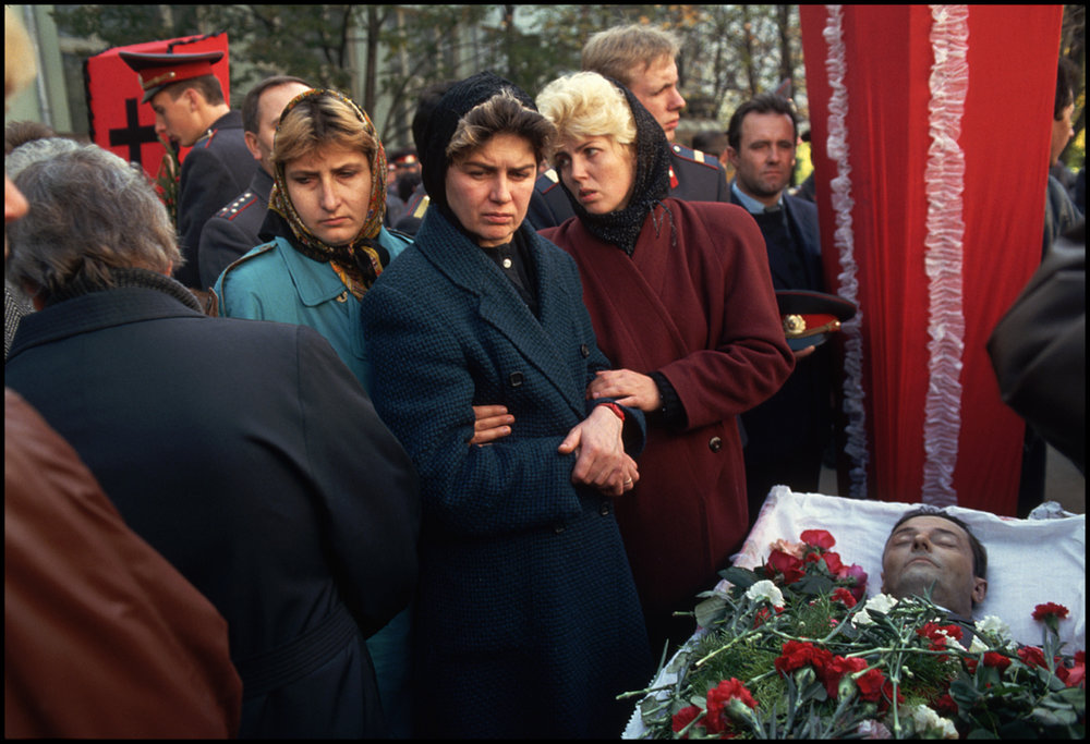 October 1993, Moscow, Russia --- Funeral for victims of the siege on the Russian Parliament in which Pro-Yeltsin forces fired on the parliament building in order to force out Communist hard liners