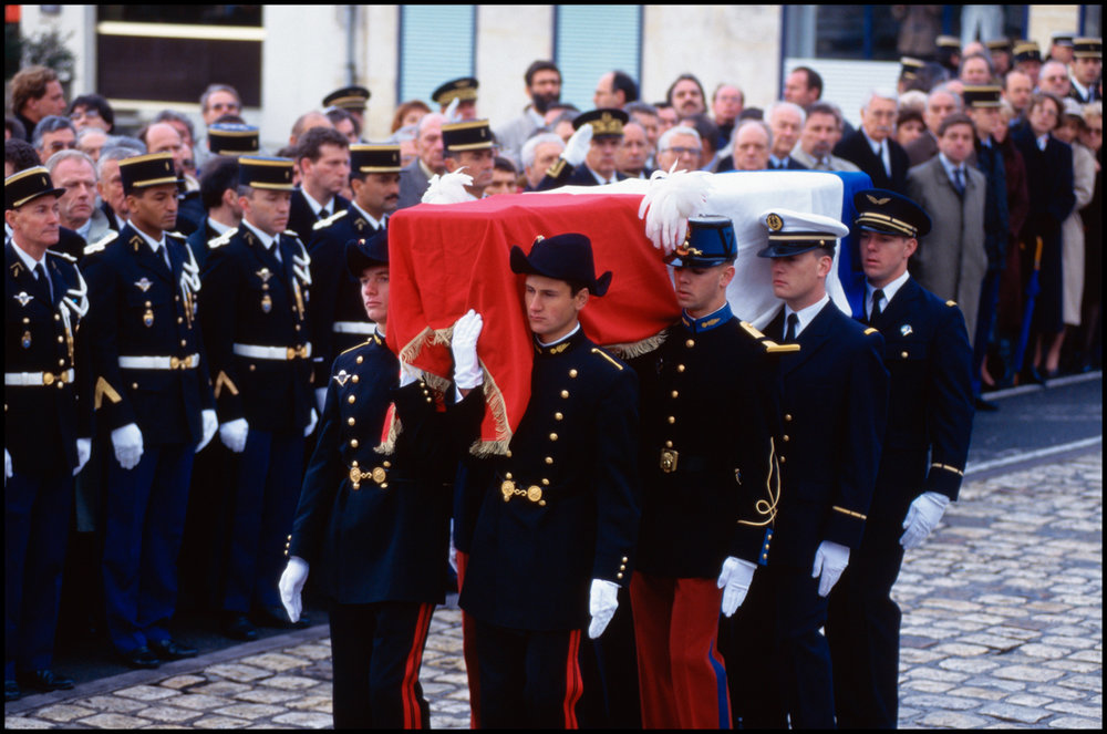 January 1996, Jarnac, France --- Soldiers carry the casket of French president Francois Mitterrand at his private funeral in Jarnac, France.