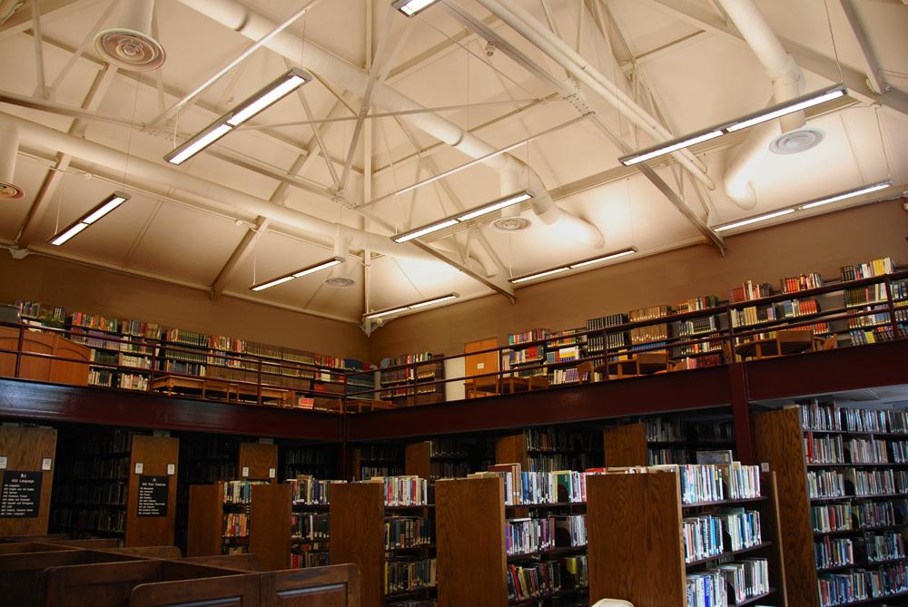 Avon - New Library - Interior 1975.JPG