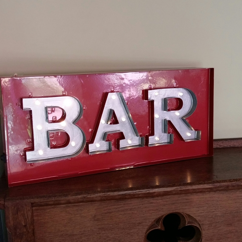Light up BAR light battery powered so no cables