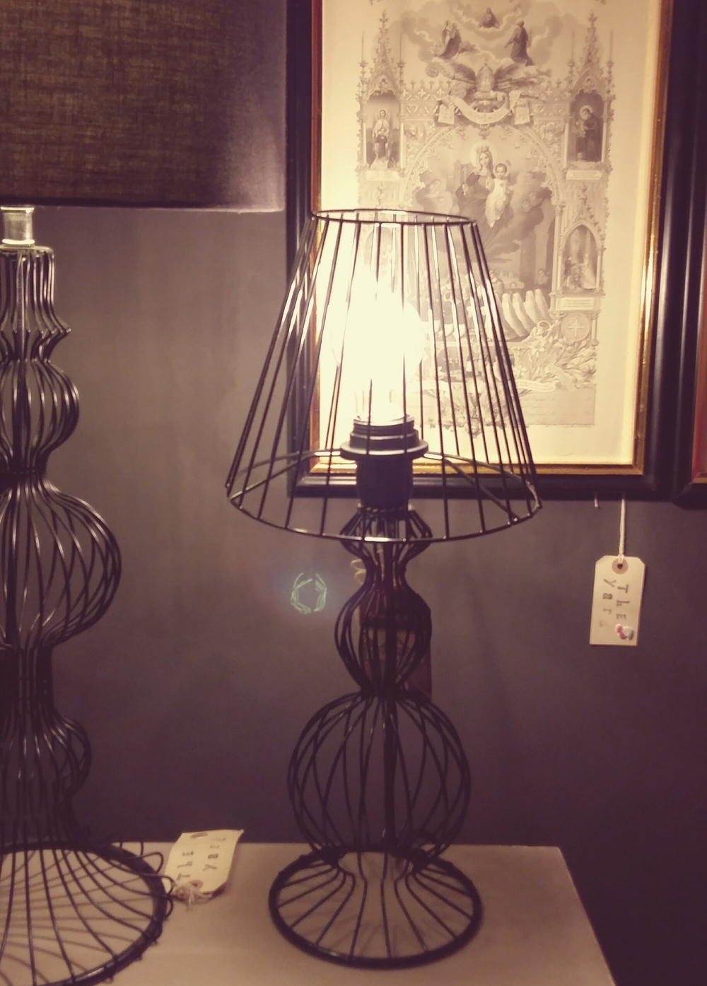 Medium wire lamp and wire shade