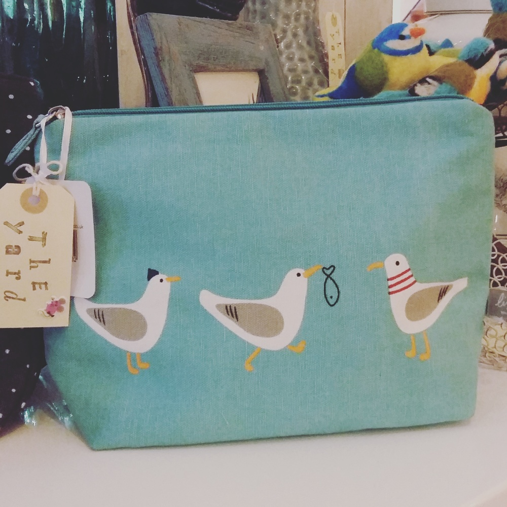 Seagull wash bag