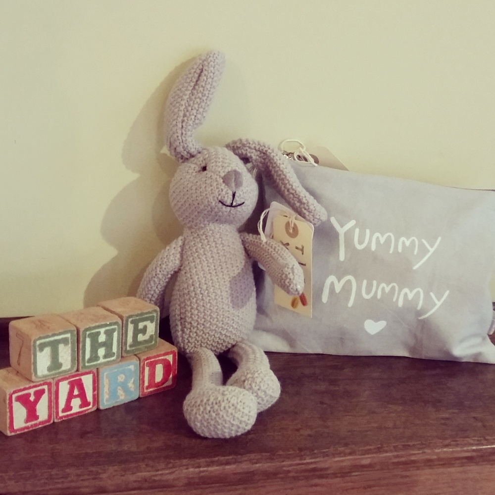 Yummy mummy small bag and soft grey knit bunny
