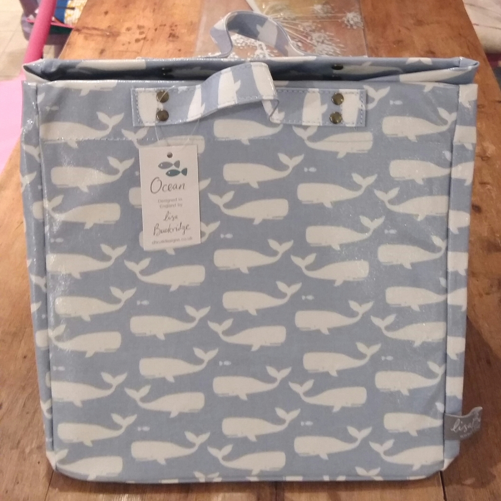 Whale storage bag/box