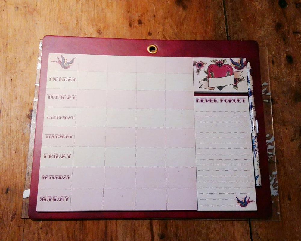 Magnetic organiser (love a list)
