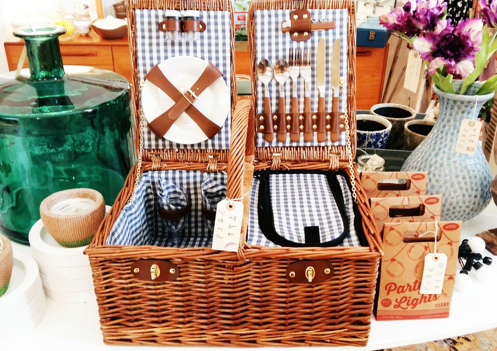 Posh fitted picnic basket