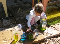 Mixing colors in the water play area