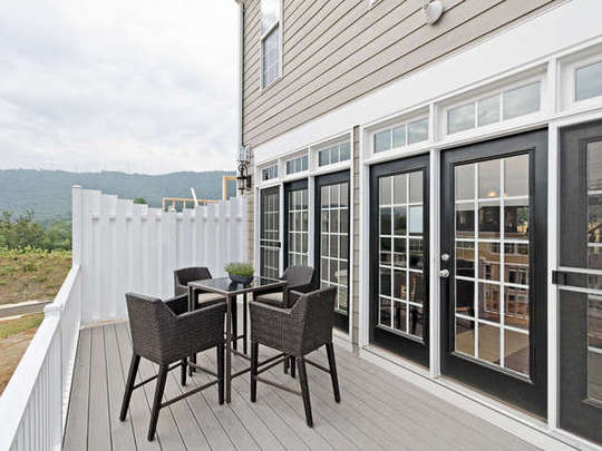 Balcony_Townhome-small-017-18_Exterior_Deck-666x444-72dpi.jpg