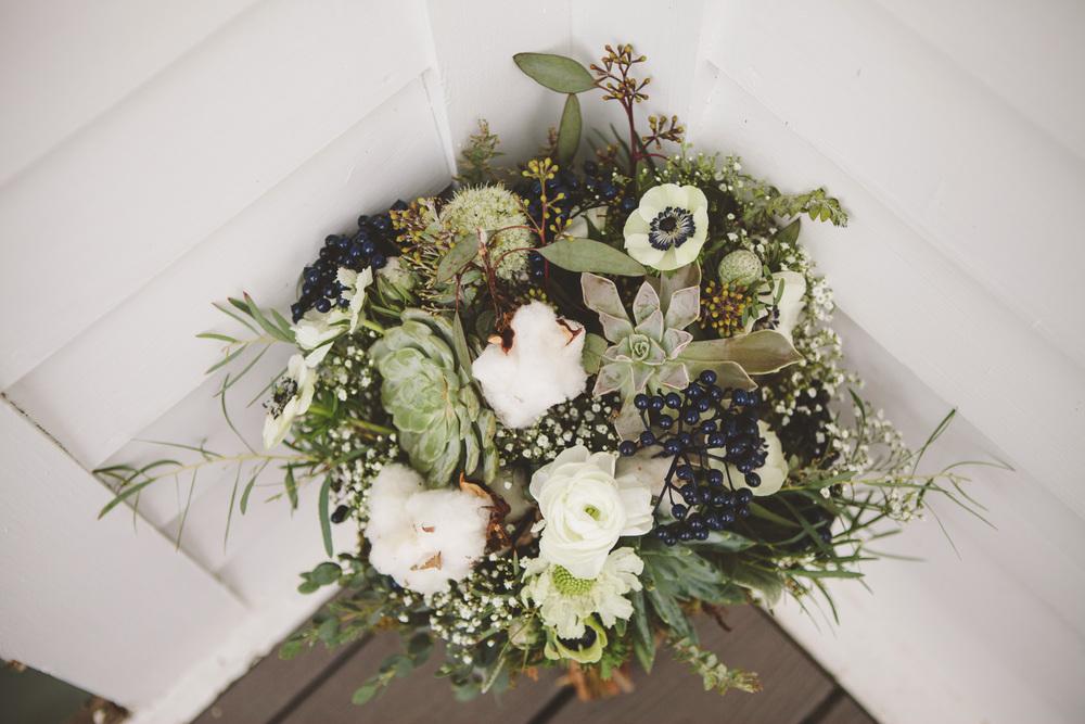 the-bees-knees-floral-design-studio-brainerd-mn-minnesota-florist-wedding-weddings-bride-sharayah-krautkremer-greenery-bouquet