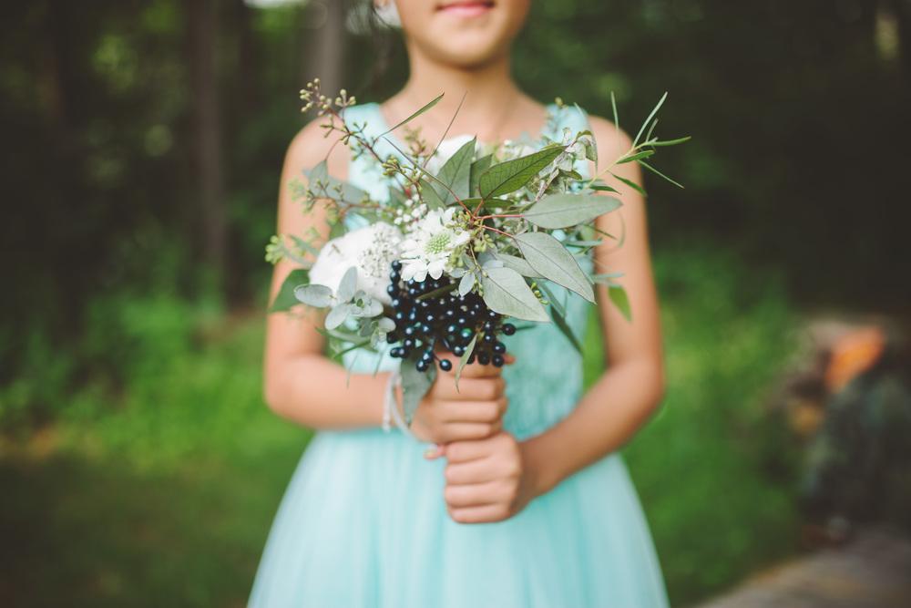 the-bees-knees-floral-design-studio-brainerd-mn-minnesota-florist-wedding-weddings-bride-greenery-bouquet-eucalyptus-cotton-viburnum-scabiosa