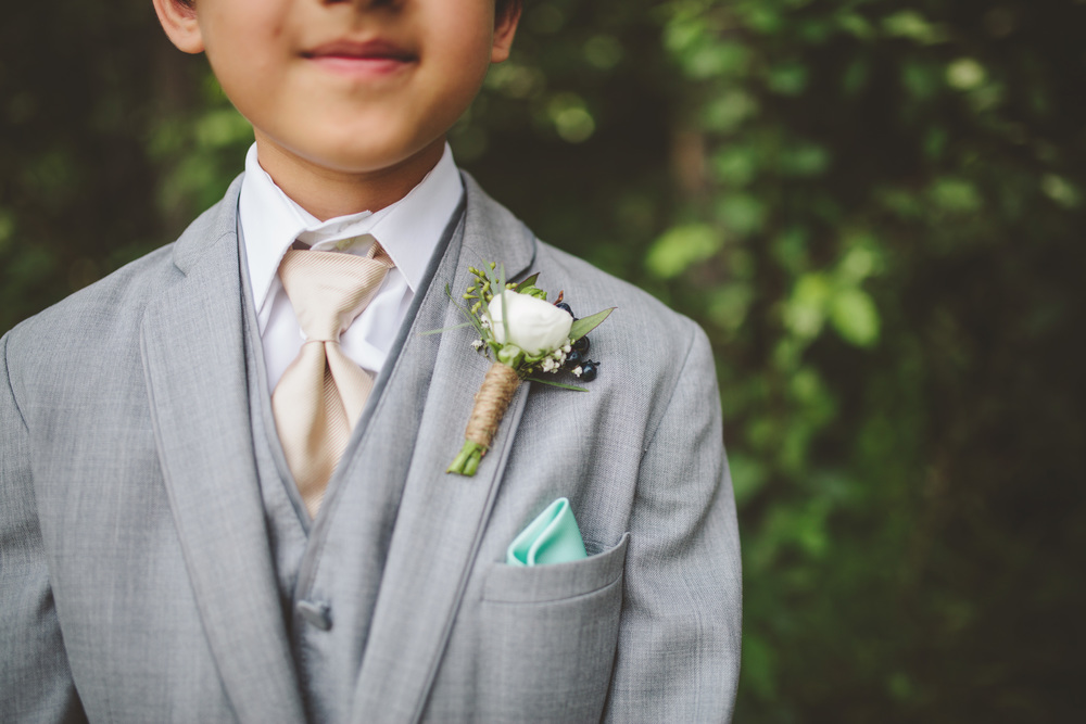 the-bees-knees-floral-design-studio-brainerd-mn-minnesota-florist-wedding-weddings-bride-greenery-boutonniere