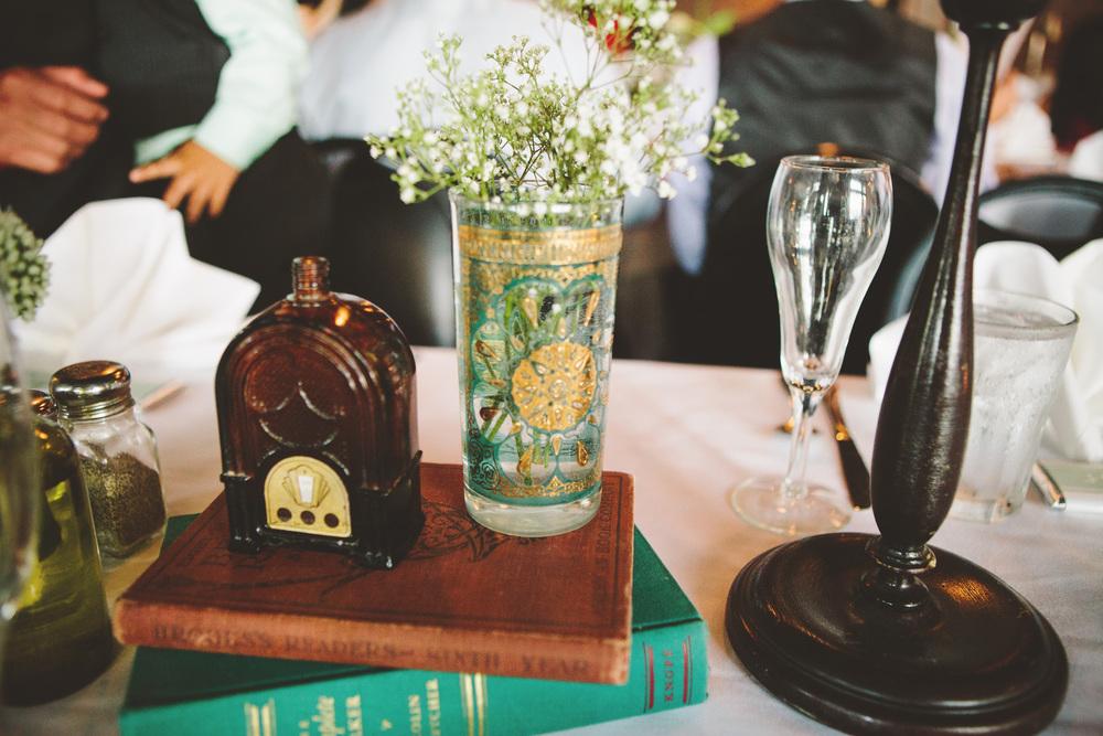 the-bees-knees-floral-design-studio-brainerd-mn-minnesota-florist-wedding-weddings-bride-greenery-floral-vintage-decor-table-centerpiece-centerpieces-rental