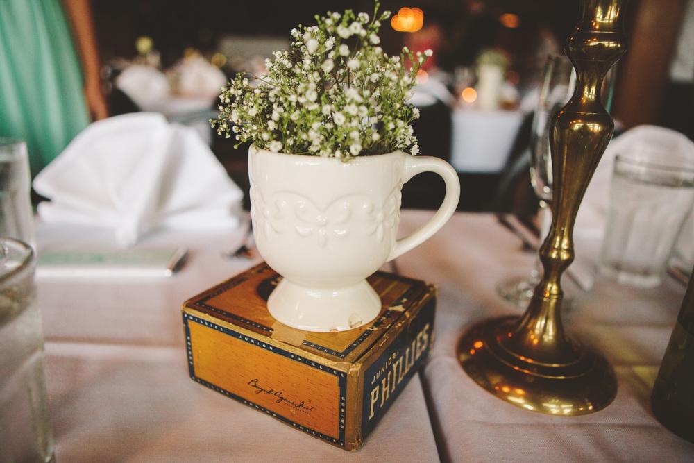 the-bees-knees-floral-design-studio-brainerd-mn-minnesota-florist-wedding-weddings-bride-greenery-vintage-decor-table-centerpiece-the-shalom-imaginative