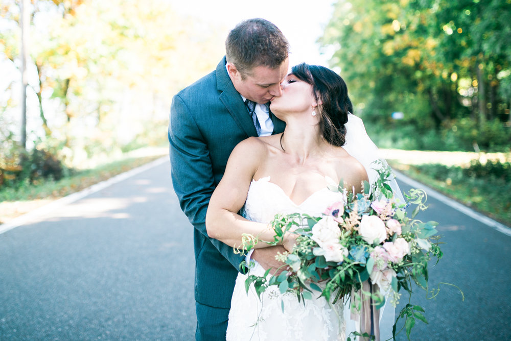 the bee's knees floral design decor minneapolis wedding flowers florist bridal florals brainerd lakes minneapols st paul twin cities st cloud duluth mankato mn florist whimsical florals wedding in the country barn wedding blush and greenery