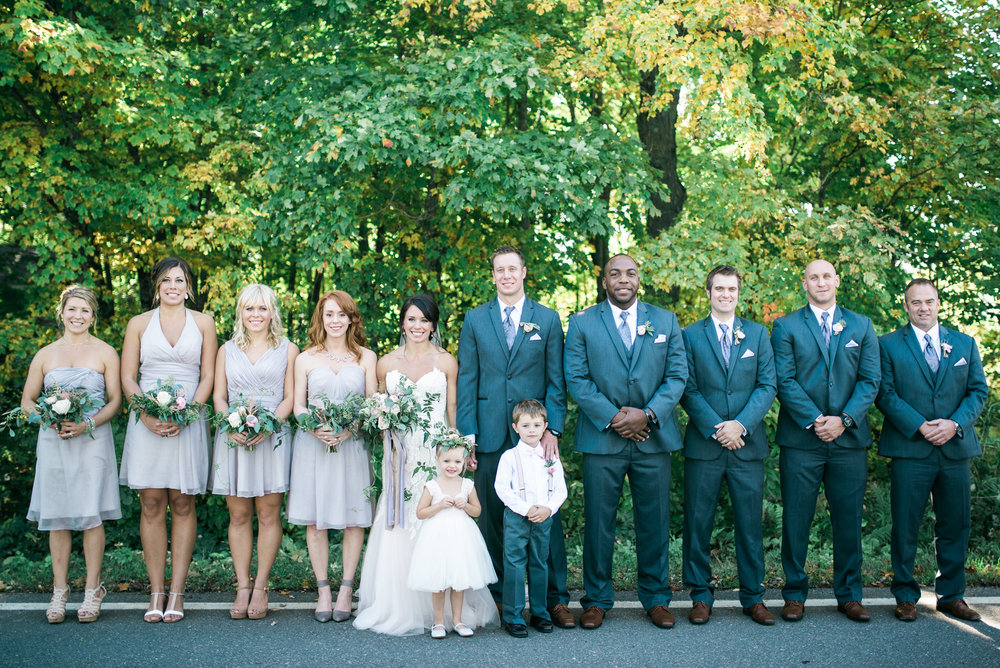 the bee's knees floral design decor minneapolis wedding flowers florist bridal florals brainerd lakes minneapols st paul twin cities st cloud duluth mankato mn florist whimsical florals wedding in the country barn wedding blush and greenery bride bouquet garden inspired loose flowing silk and willow ribbon