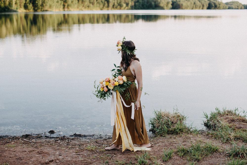 fern + floret botanical - minnesota floral designer - twin cities, mn wedding and event florist - wedding floral design - minneapolis minnesota - st paul - saint paul - mpls - wedding florist britt dezeeuw photography
