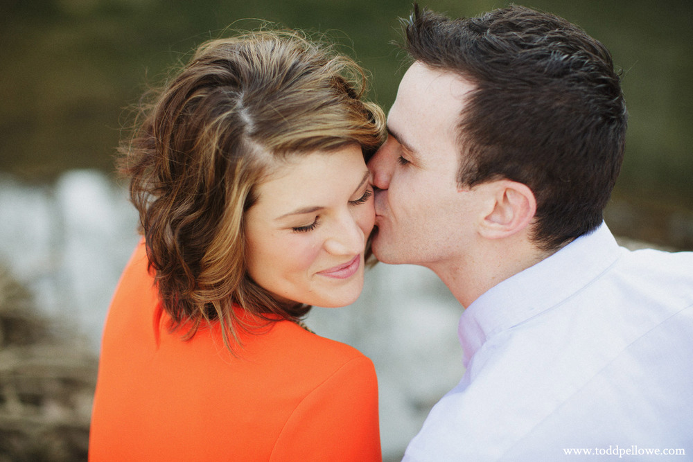 02-louisville-engagement-photographer-033.jpg