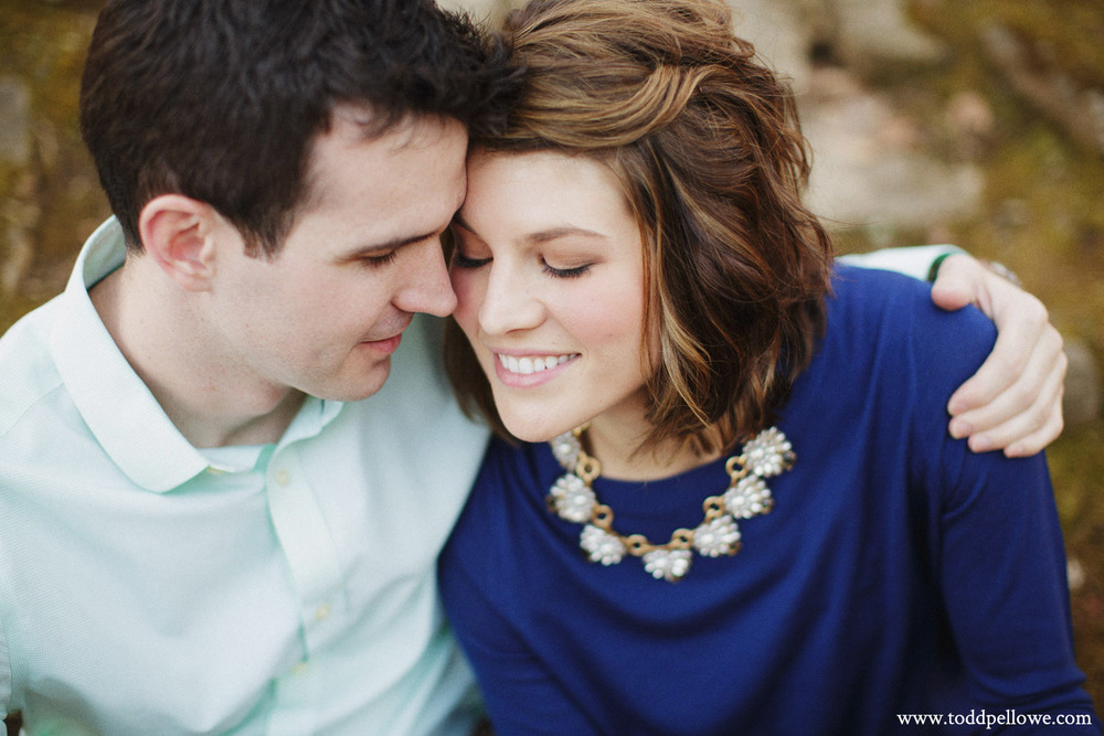 11-louisville-engagement-photographer-049.jpg