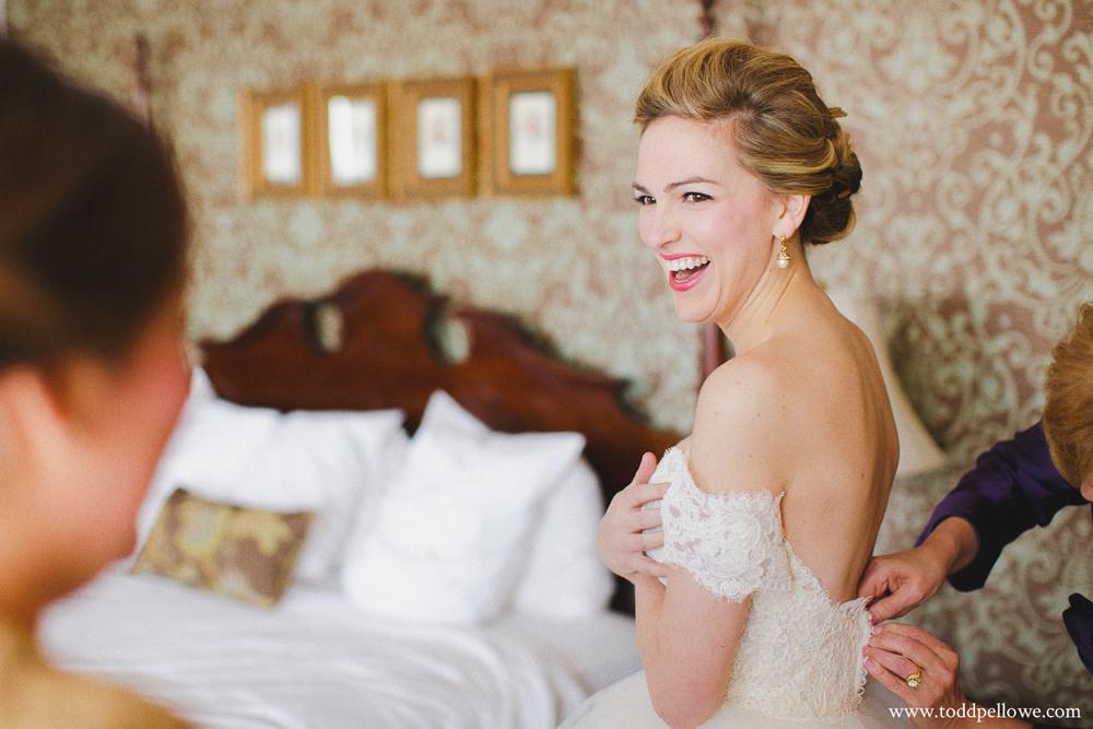 03-galt-house-wedding-photographer-026.jpg