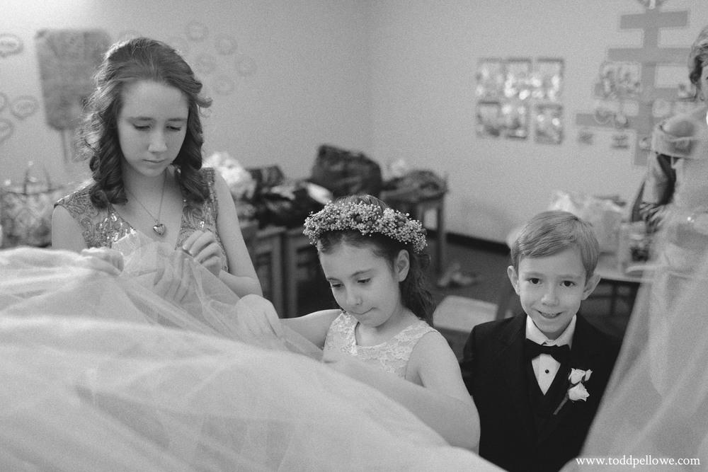 19-galt-house-wedding-photographer-238.jpg