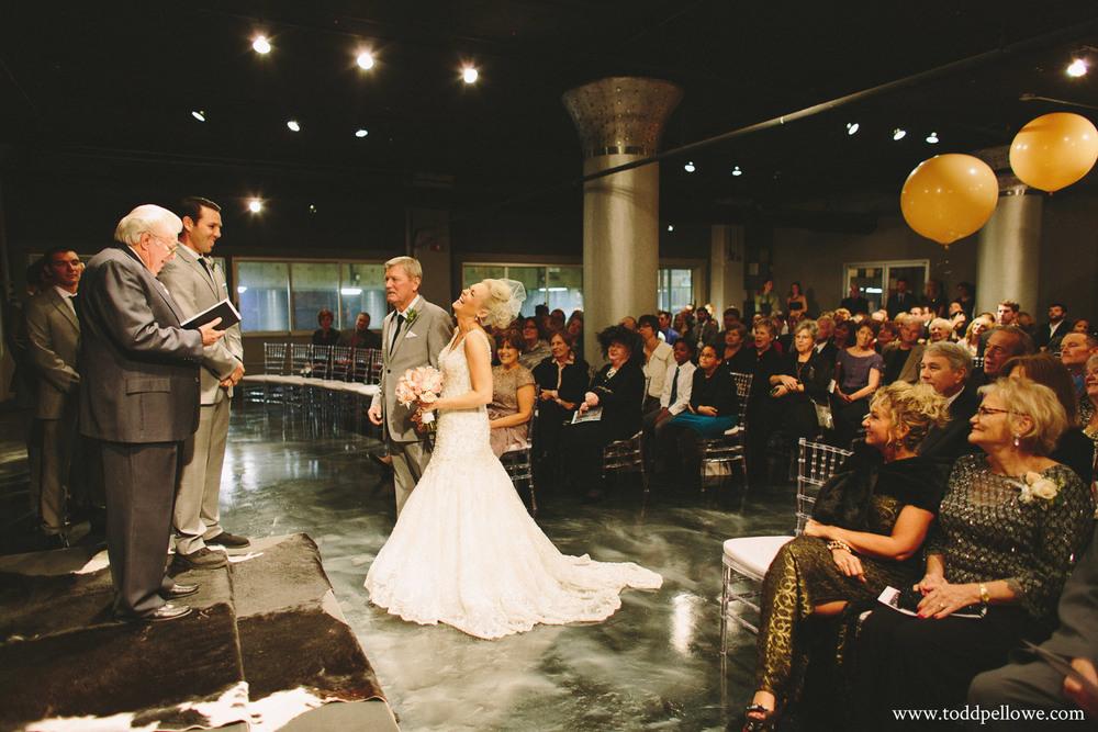 22-glassworks-wedding-photography-411.jpg